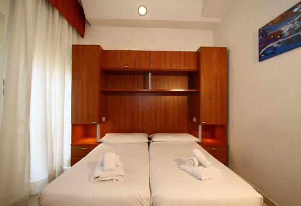 BENGASI-room-m-economy