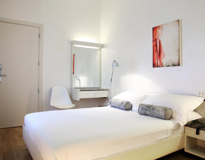 rosabianca-room-economy